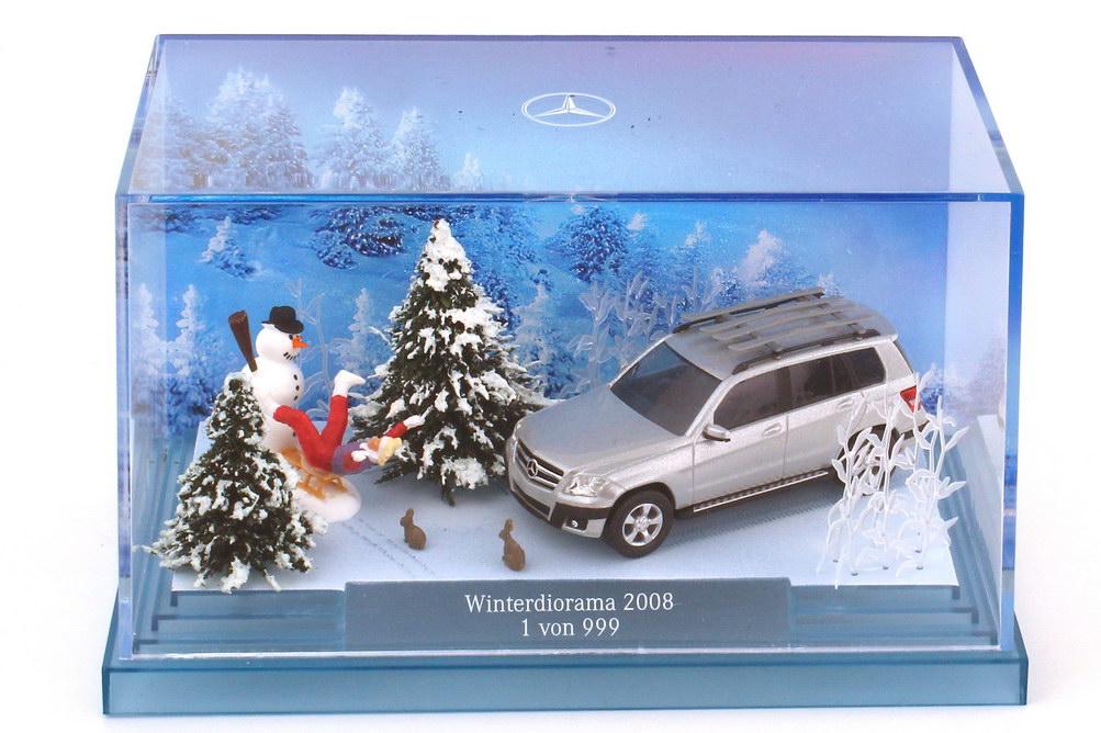 Foto 1:87 Mercedes-Benz GLK-Klasse X204 Weihnachtsdiorama 2008 - Werbemodell - Busch B66960332