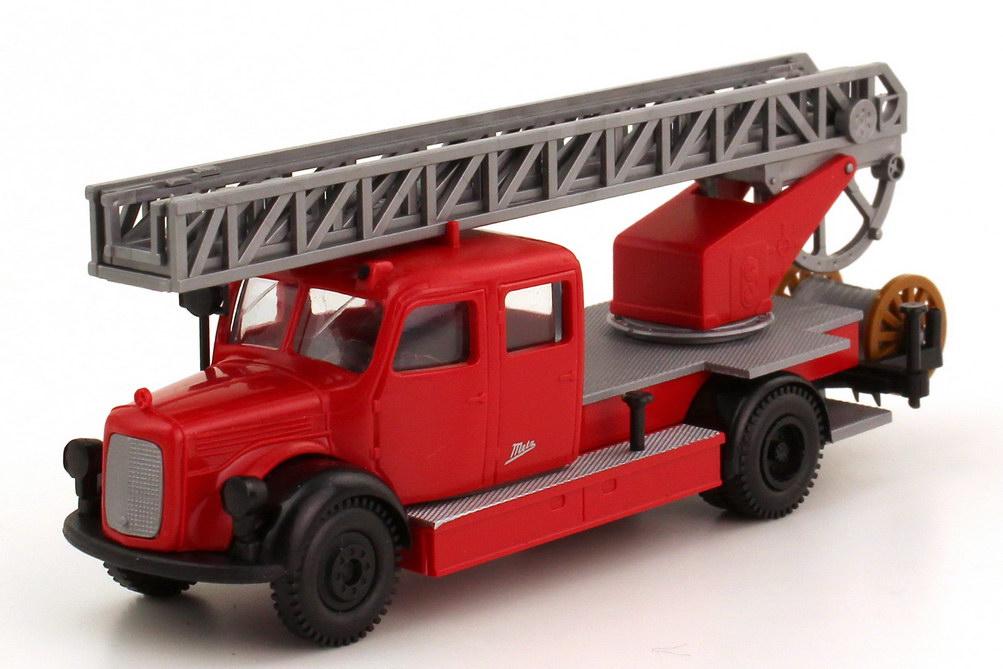 Foto 1:87 Mercedes-Benz L311 Doka Metz Drehleiter DL 25 Feuerwehr rot schwarz - Brekina 4030
