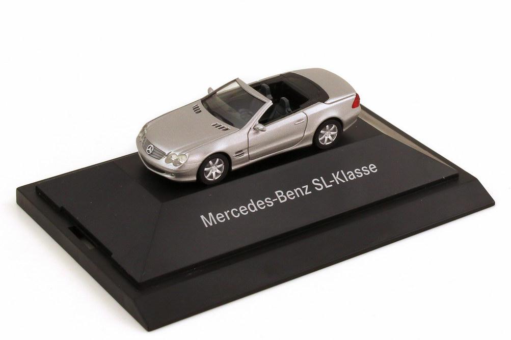Foto 1:87 Mercedes-Benz SL 500 R230 brillantsilber-met. - Werbemodell - herpa B66961319