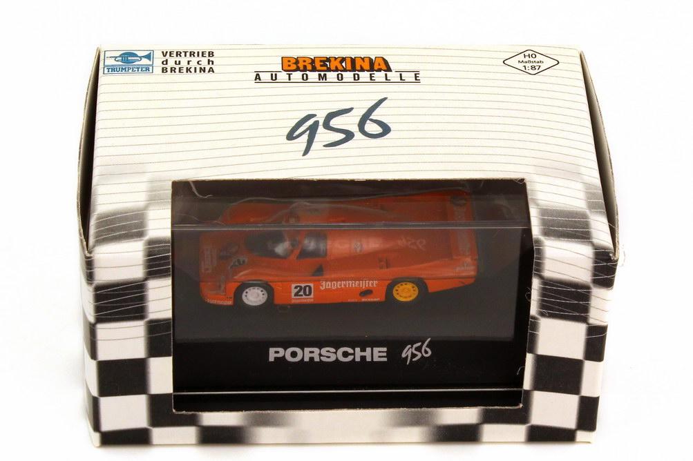 Foto 1:87 Porsche 956 L WEC 1985 Brun Jägermeister Nr.20 Brun Berger 1000 km Hockenheim 1985 - Trumpeter 16112