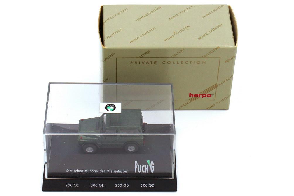 Foto 1:87 Puch G-Klasse 300GE grün-met. Reserverad mittig - Die schönste Form der Vielseitigkeit - herpa 020854