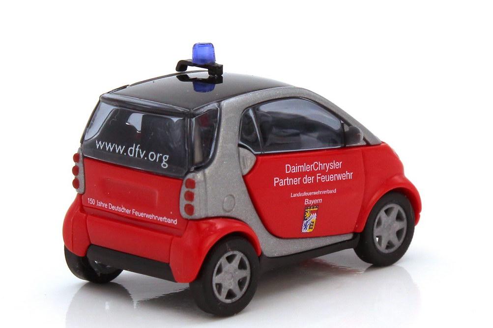 Foto 1:87 Smart City-Coupé Facelift C450 MOPF LFV Bayern - DaimlerChrysler Partner der Feuerwehr - Busch 489302