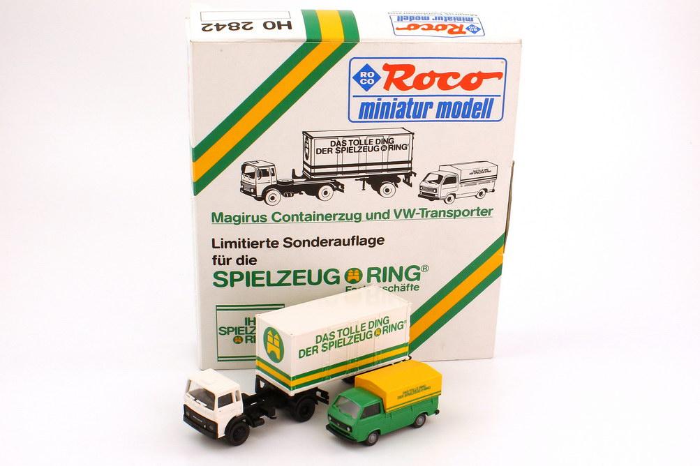Foto 1:87 Spielzeugring Set-Packung Magirus M Container-Sattelzug + VW T3 Pritsche Plane - Roco 2842