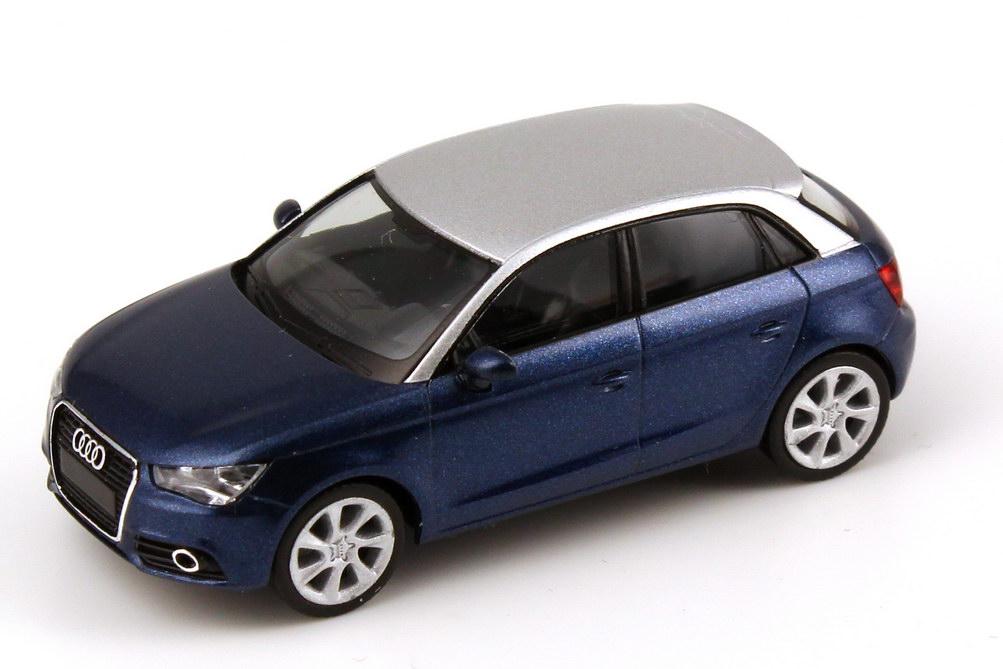 Foto 1:87 Audi A1 Sportback scuba-blau-met. / silber Werbemodell herpa 5011201012