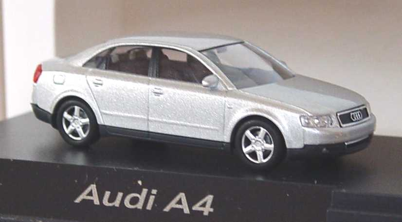 Foto 1:87 Audi A4 3.0 quattro (B6) lichtsilber-met. Werbemodell Busch 5010004132