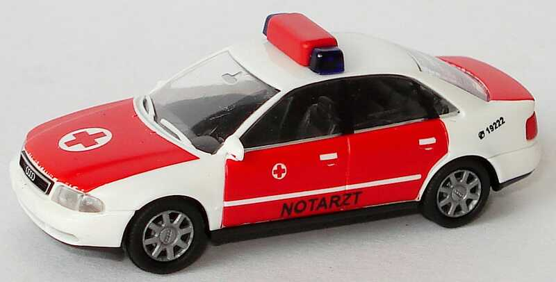 Foto 1:87 Audi A4 (B5) NEF Notarzt weiß/rot Rietze 50651
