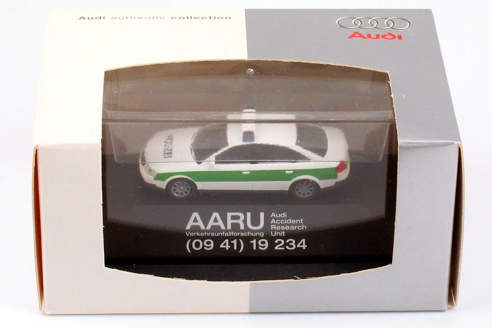 Foto 1:87 Audi A6 (C5) Polizei Bayern AARU Unfallforschung Werbemodell Rietze