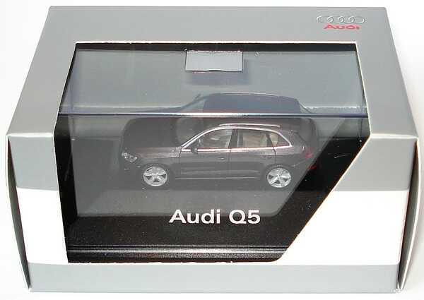 Foto 1:87 Audi Q5 amethystgrau-met. Werbemodell herpa 5010805622