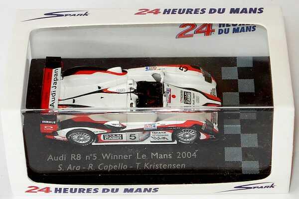 Foto 1:87 Audi R8 24h von Le Mans 2004 Audi Japan Nr.5, Ara / Capello / Kristensen Spark 87LM04