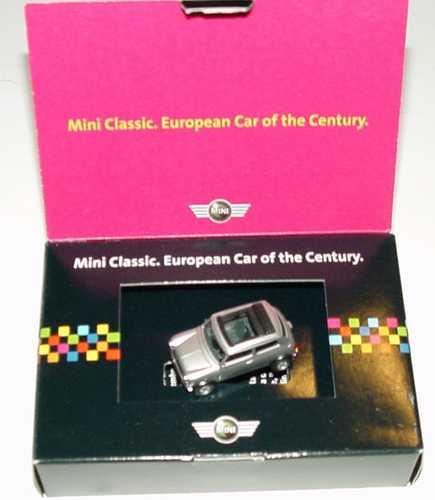 Foto 1:87 Austin Mini Cooper mit Rolldach (offen) silber-met. MiniClassic. European Car of the Century. Werbemodell herpa 80410021394