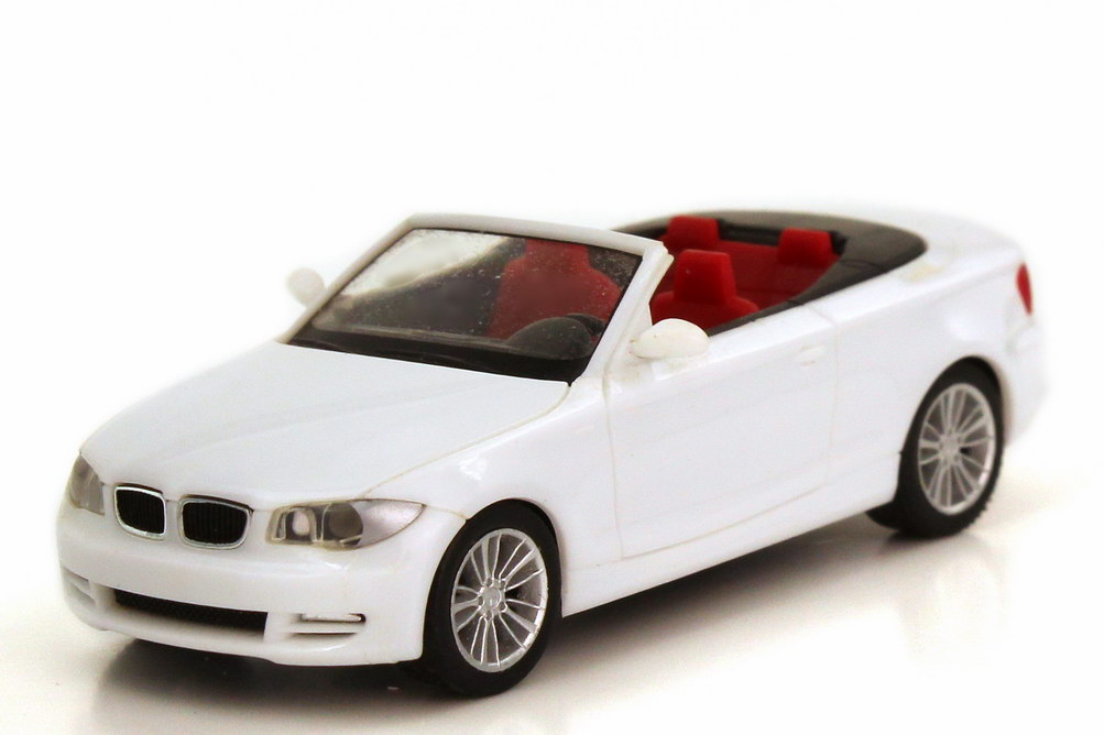 Foto 1:87 BMW 1er Cabrio (E88) weiß herpa 023979