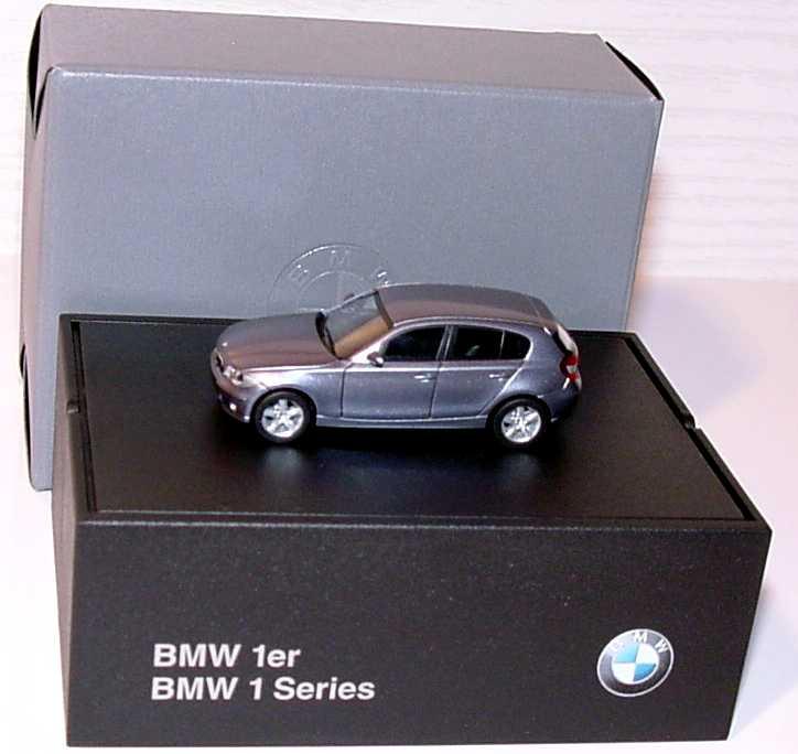 Foto 1:87 BMW 1er (E87) quartblue-met. Werbemodell herpa 80410308608