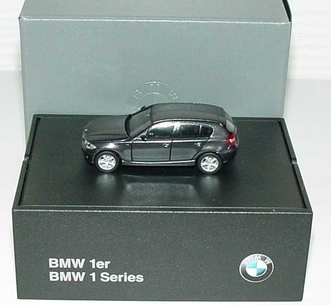Foto 1:87 BMW 1er (E87) sparkling-graphite-met. Werbemodell herpa 80410308611