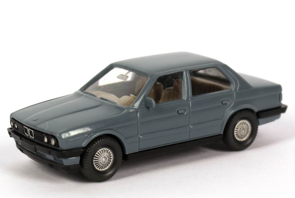 Foto 1:87 BMW 3er 320i 4türig E30 blaugrau - Wiking 190