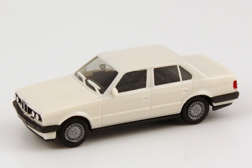 Foto 1:87 BMW 325i 4türig (E30/88) weiß herpa 2078