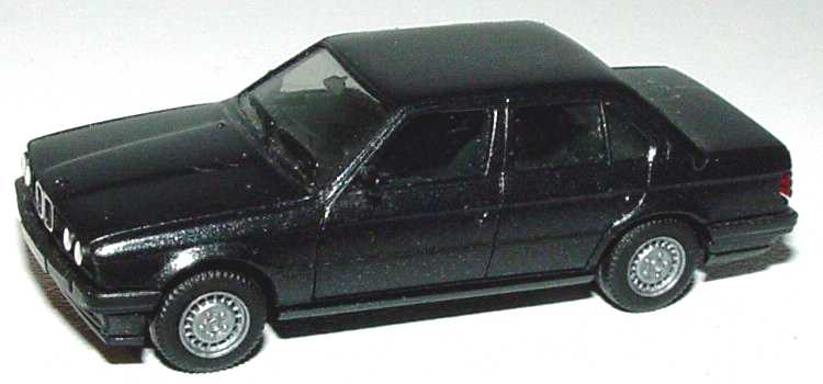 Foto 1:87 BMW 325i 4türig (E30) schwarz-met. herpa 3078