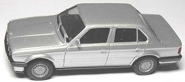 Foto 1:87 BMW 325i 4türig (E30) silber-met. herpa 3078