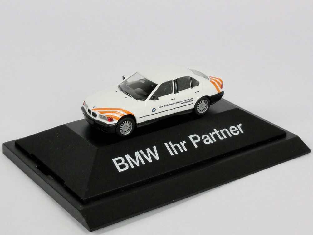 Foto 1:87 BMW 325i (E36) BMW Niederlassung München fördert die Notfallmedizin Werbemodell herpa