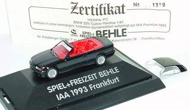 Foto 1:87 BMW 325i (E36) Cabrio mit Hardtop schwarz Behle, IAA 1993 Frankfurt herpa