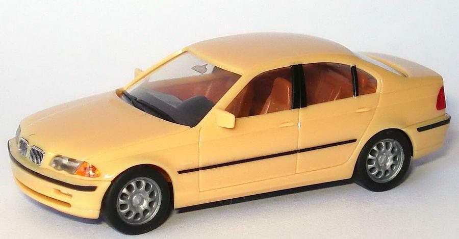 Foto 1:87 BMW 328i (E46) beige herpa 022545/150743