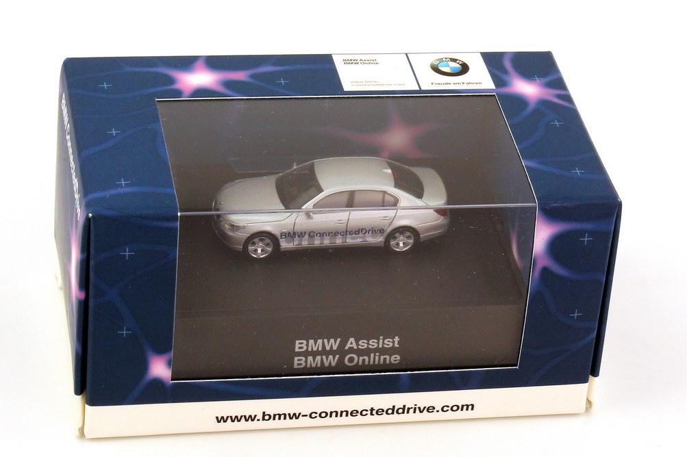 Foto 1:87 BMW 5er 545i (E60) titansilber-met. BMW Connected Drive Werbemodell herpa 80410395594