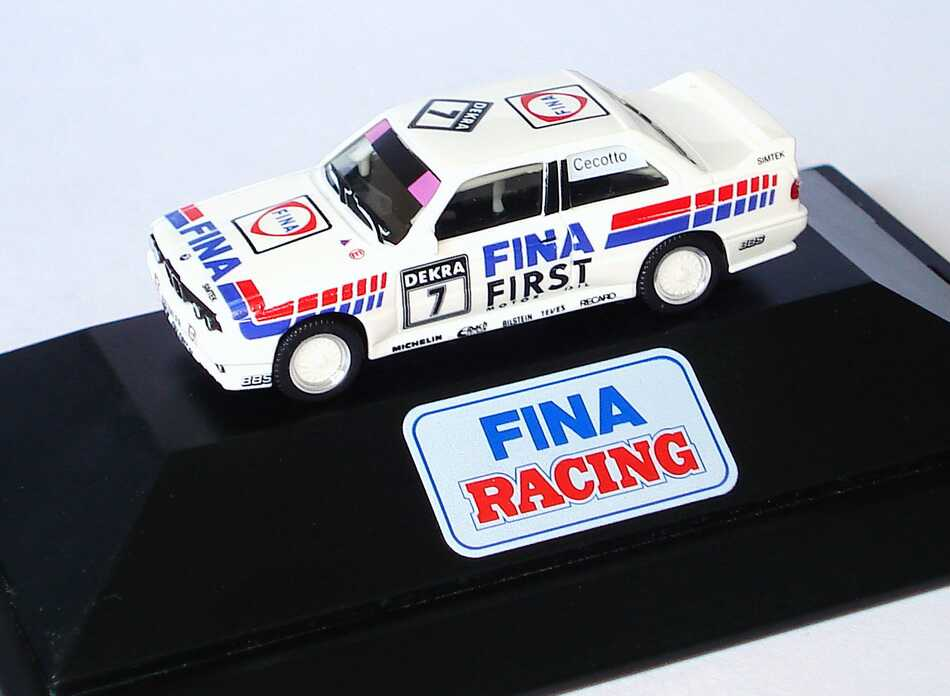 Foto 1:87 BMW M3 (E30) DTM 1992 Fina First Nr.7, Cecotto, Sockeldruck Fina Racing herpa