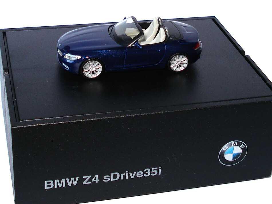 Foto 1:87 BMW Z4 sDrive35i (E89) tiefseeblau-met. Werbemodell herpa 80412147089