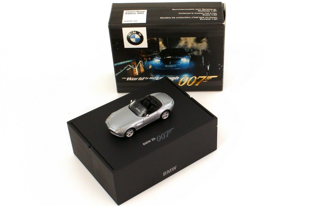Foto 1:87 BMW Z8 Roadster (E52) titansilber-met. James Bond 007 - The World Is Not Enough Werbemodell herpa 80410007665