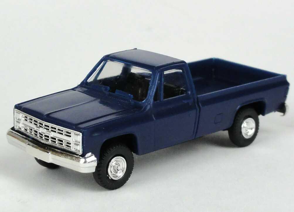 Foto 1:87 Chevrolet C/K Pickup (1973) dunkelblau Trident