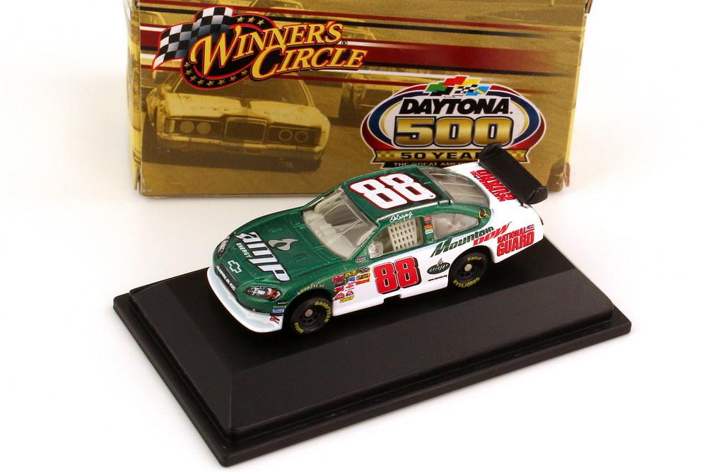 Foto 1:87 Chevrolet Impala SS NASCAR 2008 Hendrick Motorsports, AMP, National Guard Nr.88, Dale Earnhardt Jr. (Daytona 500 Edition) Winners Circle 70469