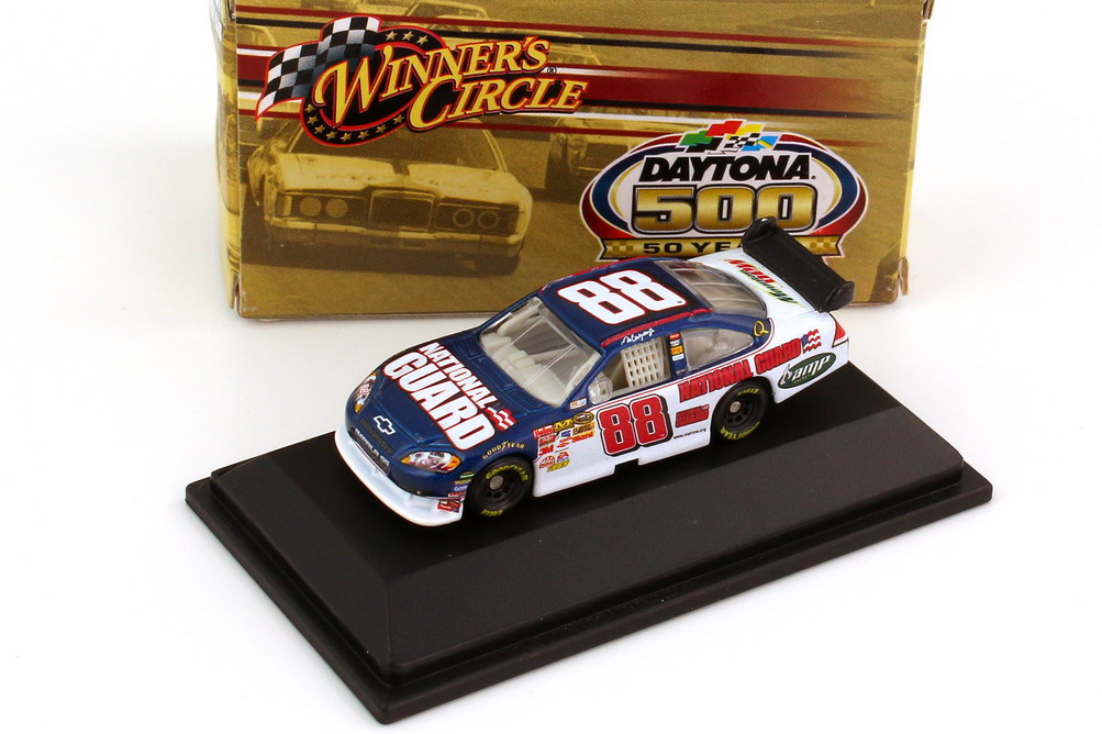 Foto 1:87 Chevrolet Impala SS NASCAR 2008 Hendrick Motorsports, National Guard, AMP Nr.88, Dale Earnhardt Jr. (Daytona 500 Edition) Winners Circle 70470