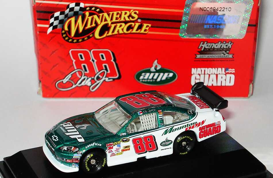Foto 1:87 Chevrolet Impala SS NASCAR 2009 Hendrick Motorsports, AMP, National Guard Nr.88, Dale Earnhardt Jr. Winners Circle 06610