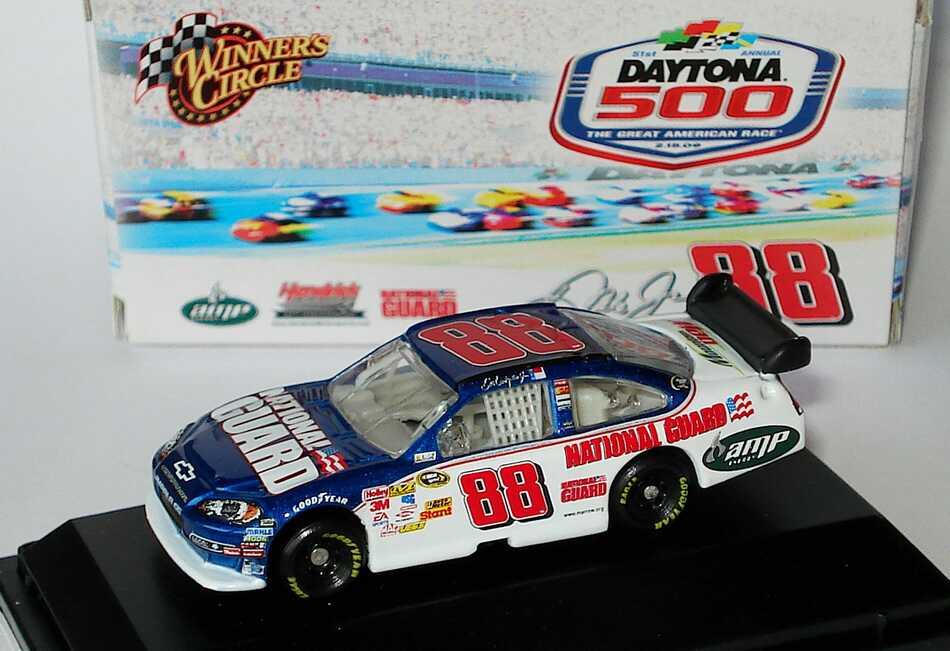 Foto 1:87 Chevrolet Impala SS NASCAR 2009 Hendrick Motorsports, National Guard, AMP Nr.88, Dale Earnhardt Jr. (Daytona 500) Winners Circle 06750