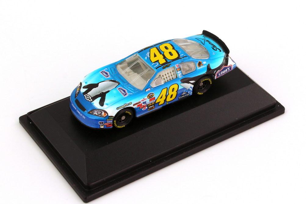 Foto 1:87 Chevrolet Monte Carlo SS NASCAR 2006 Hendrick Motorsports, Lowe´s, Seaworld Nr.48, Jimmie Johnson Winners Circle 47835