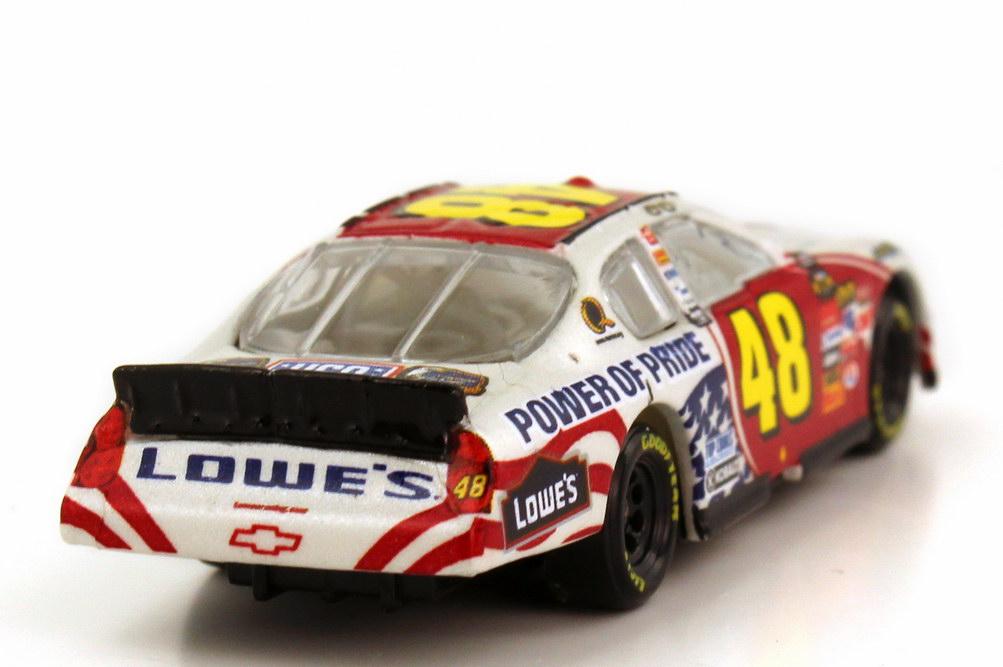 Foto 1:87 Chevrolet Monte Carlo SS NASCAR 2007 Hendrick Motorsports, Lowe´s Nr.48, Jimmie Johnson (Memorial Day Edition) Winners Circle 64759