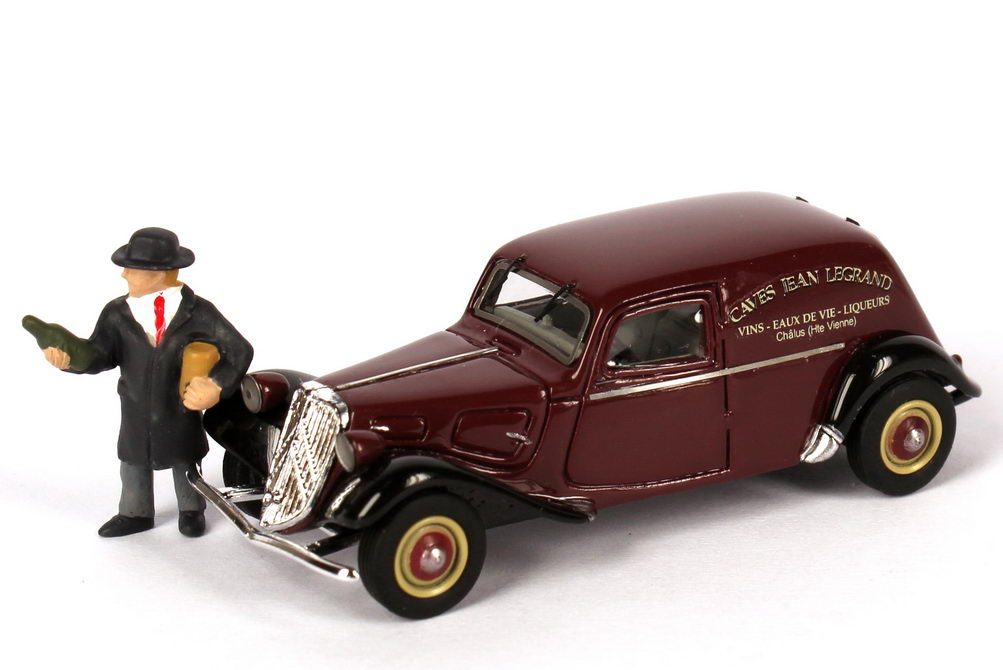 Foto 1:87 Citroen Traction Avant 11BL Lieferwagen Caves Jean Legrand mit Weinhändler-Figur Makette CollecCit 8053