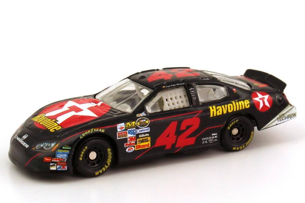 Foto 1:87 Dodge Charger NASCAR 2007 Chip Ganassi Racing, Texaco Havoline Nr.42, Juan Pablo Montoya Winners Circle 47956