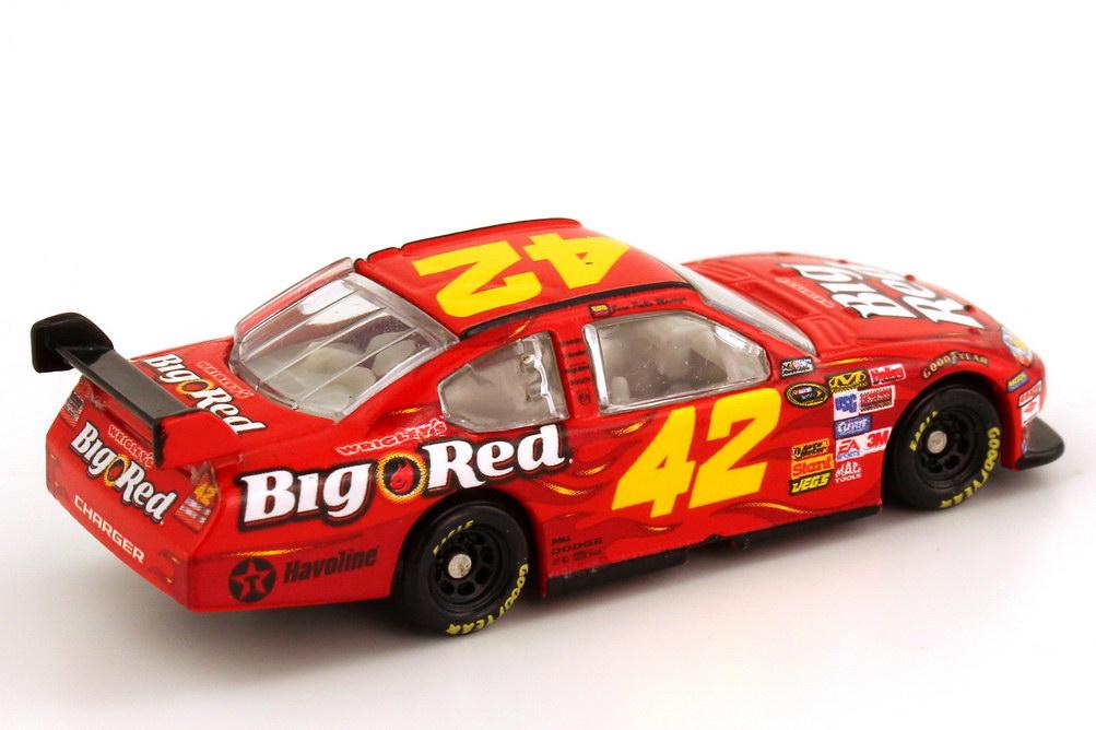 Foto 1:87 Dodge Charger NASCAR 2008 Chip Ganassi Racing, Wrigley´s Big Red Nr.42, Juan Pablo Montoya Winners Circle