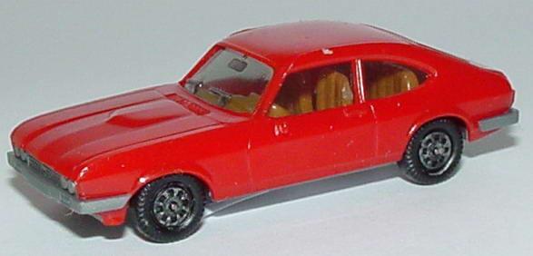 Foto 1:87 Ford Capri Mk III 3.0 Ghia rot, Bodenplatte grau, IA beige herpa 2005