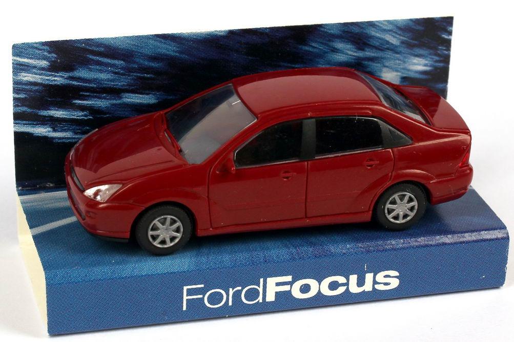 Foto 1:87 Ford Focus Stufenheck weinrot Werbemodell Rietze