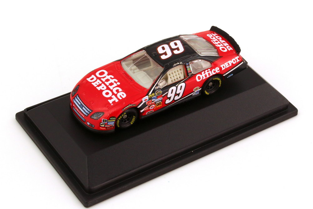 Foto 1:87 Ford Fusion NASCAR 2006 Roush Racing, Office Depot Nr.99, Carl Edwards Winners Circle 47653
