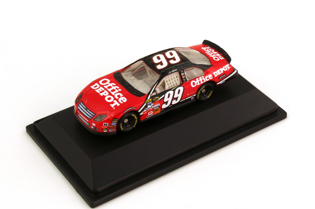Foto 1:87 Ford Fusion NASCAR 2007 Roush Racing, Office Depot Nr.99, Carl Edwards Winners Circle 47881