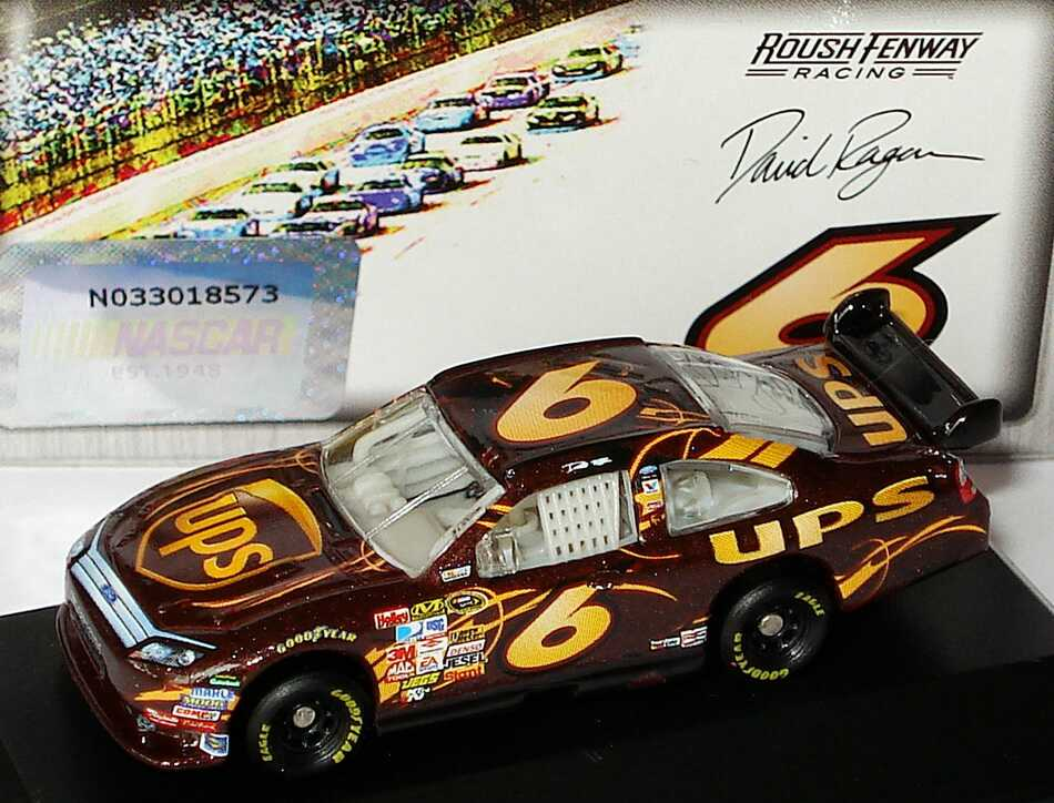 Foto 1:87 Ford Fusion NASCAR 2010 Roush Fenway Racing, UPS Nr.6, David Ragan Winners Circle 09728