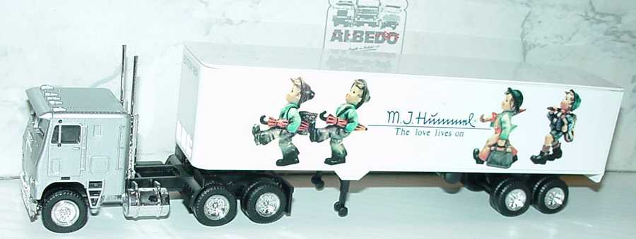 Foto 1:87 Freightliner COE KoSzg 3/2 M. J. Hummel - The love lives on Albedo