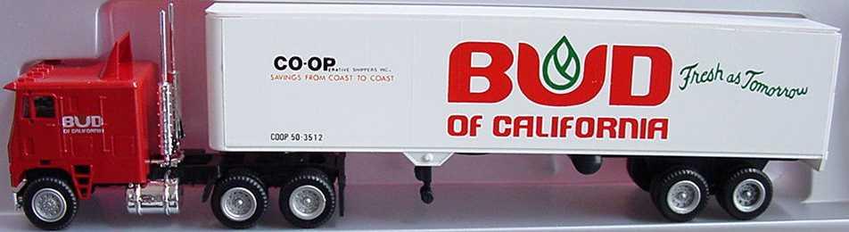 Foto 1:87 Freightliner COE Lang KoSzg 3/2 Bud of California herpa 854001