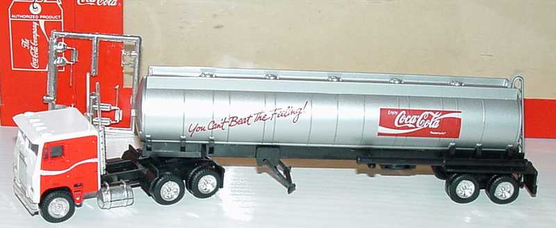 Foto 1:87 Freightliner COE TSzg 3/2 Enjoy Coca-Cola, You Can´t Beat The Feeling Albedo