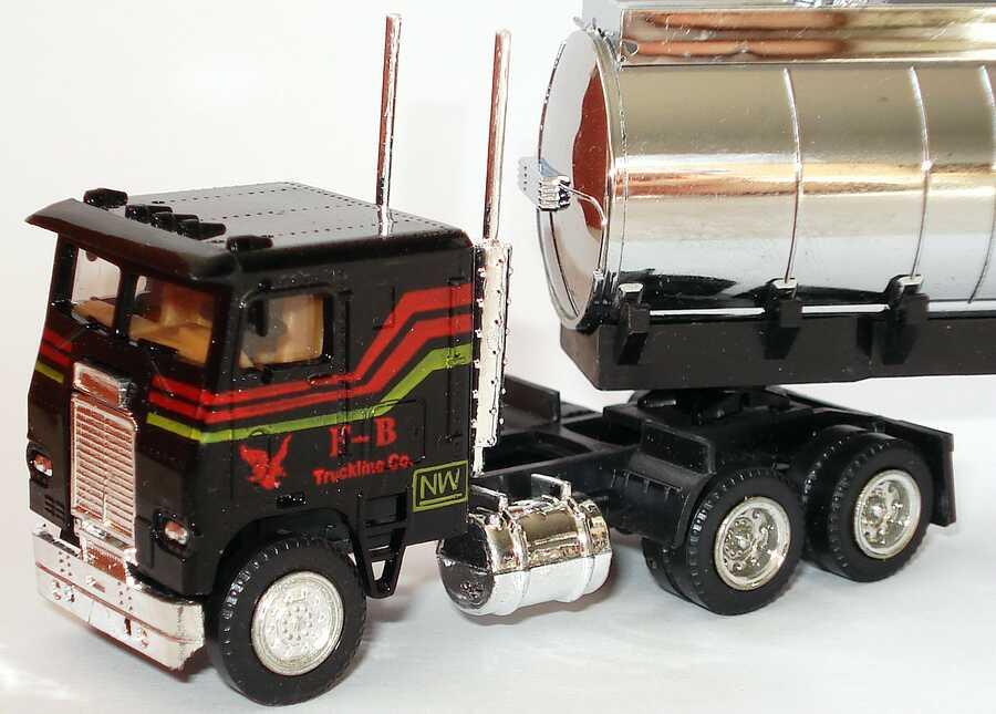 Foto 1:87 Freightliner COE TSzg 3/2 F-B Truckline Co. herpa 954214