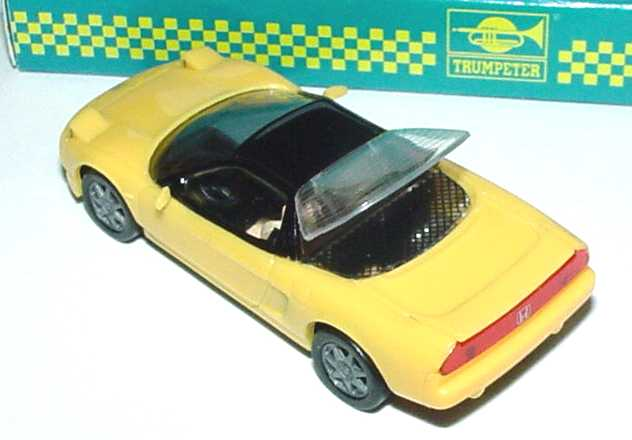 Foto 1:87 Honda NSX gelb Trumpeter 5002L