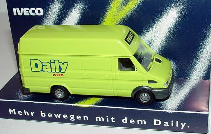 Foto 1:87 Iveco Daily Kasten lang Hochdach Daily neongrün Werbemodell Busch