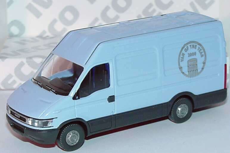 Foto 1:87 Iveco Daily (S2000) Kasten lang Hochdach hellblau Van of the year 2000 Werbemodell Wiking 2728